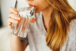 how much water to drink for beautiful skin