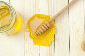 honey and sugar scrub for face
