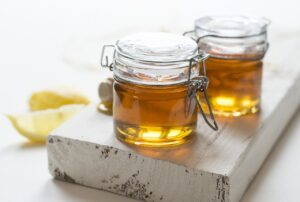 how to use honey for instant glowing skin in 10 minutes